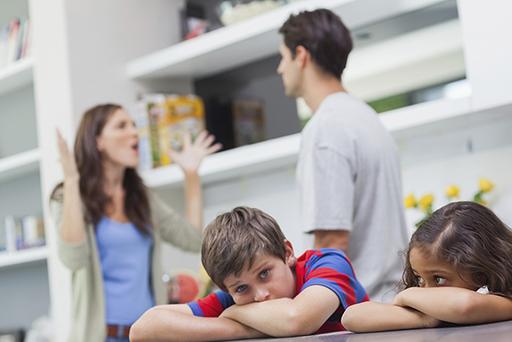 Family-Fighting-Kids